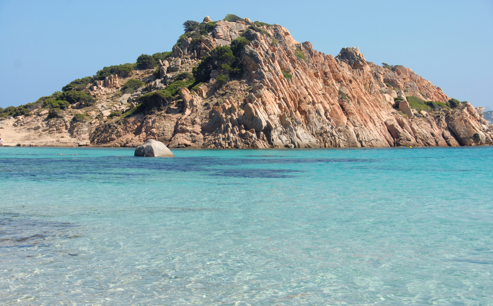 Cala Corsara is located on the island of Spargi in the Maddalena archipelago. The four beaches are a paradise of fine sand.